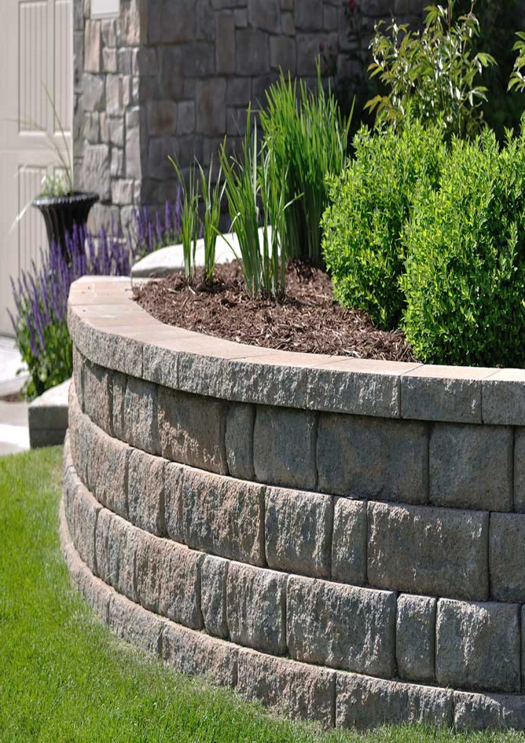 5 creative approaches to retaining wall construction